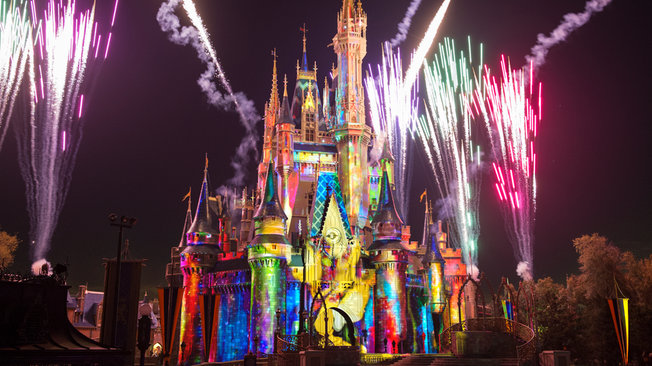 wishes-nighttime-spectacular-gallery02
