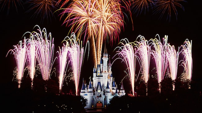wishes-nighttime-spectacular-05